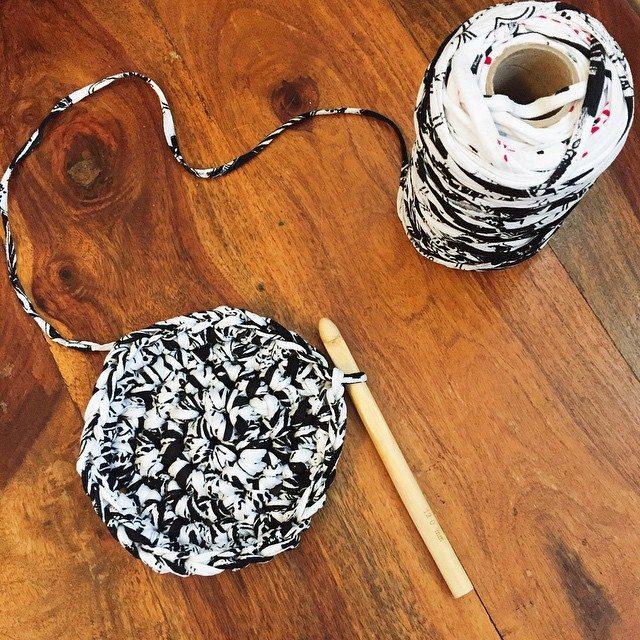 holly_pips tshirt yarn crochet