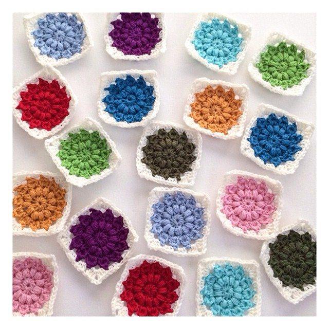 joyfuljaxcrochets.and.knits crochet flower squares