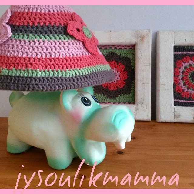 jysoulikmamma_brilliantmommy crochet lamp