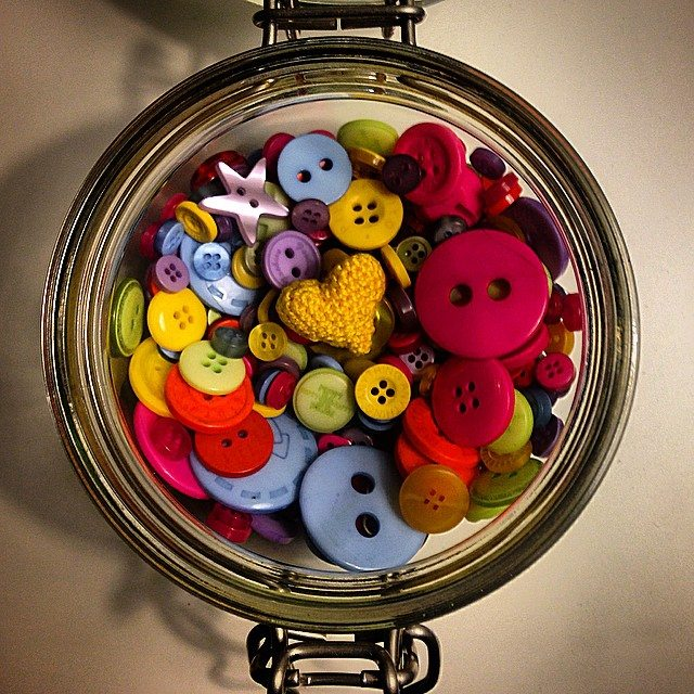 louloudeane crochet buttons heart