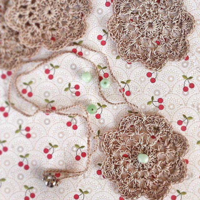 lyndapic crochet necklace