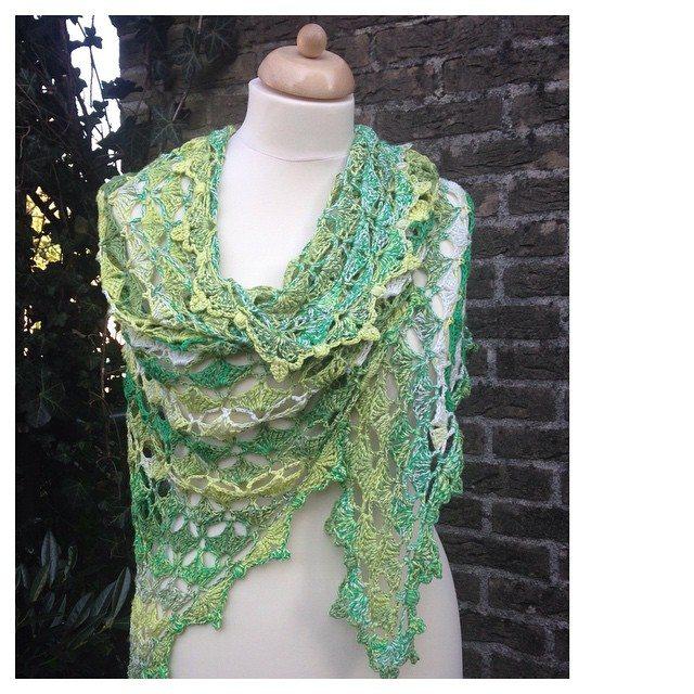 marretjeroos crochet triangle shawl