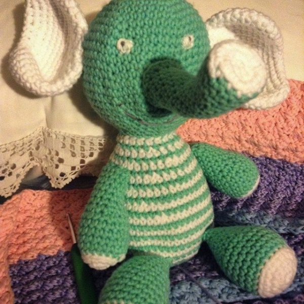 mimamami_ crochet elephant