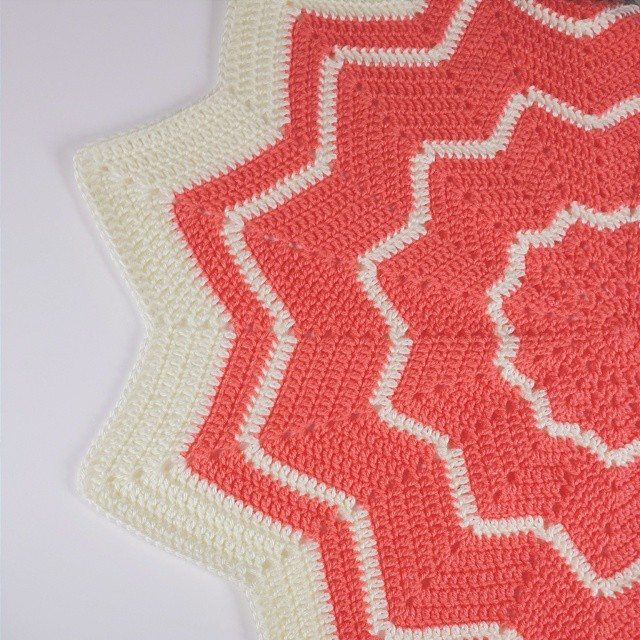 Crochet Inspiration Ripple Star Blankets 27 Patterns And Photos