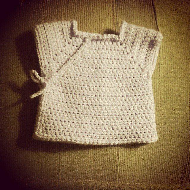 mlissabethgr crochet newborn shirt