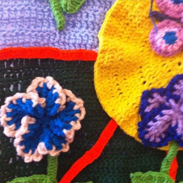 mom crochet art