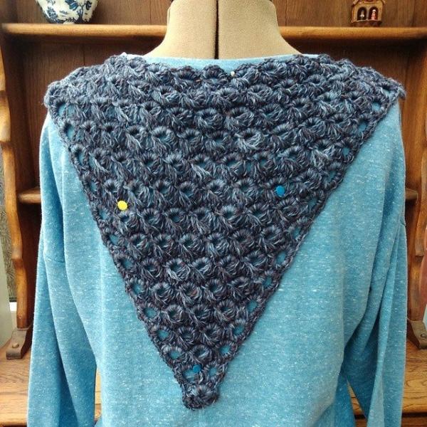 nelnanandnora crochet triangle