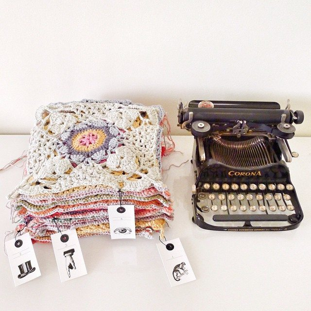 rawrustic crochet typewriter