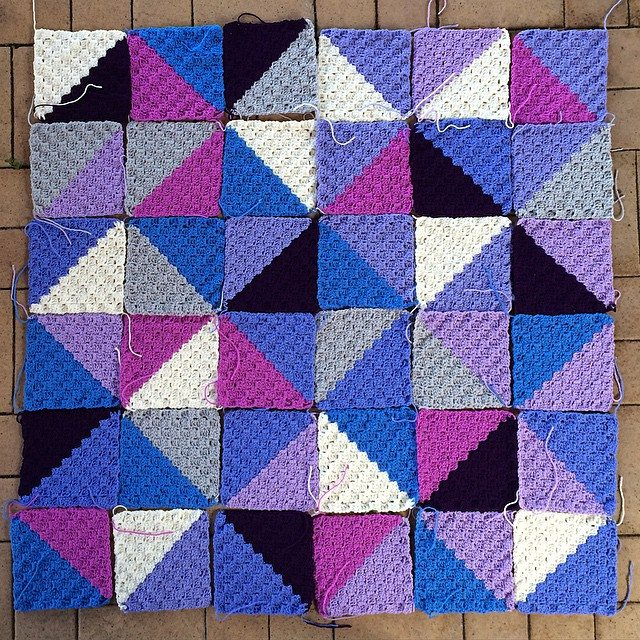 thatgirlwhocrochets crochet triangles blanket