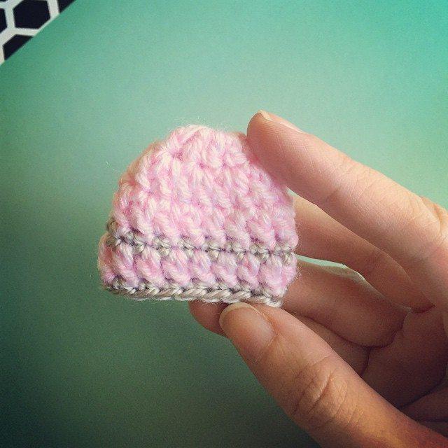 amimami10 crochet baby bereavement hats