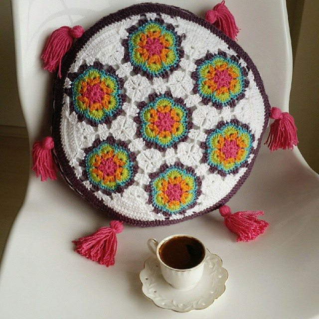 annesurr crochet colorful cushion