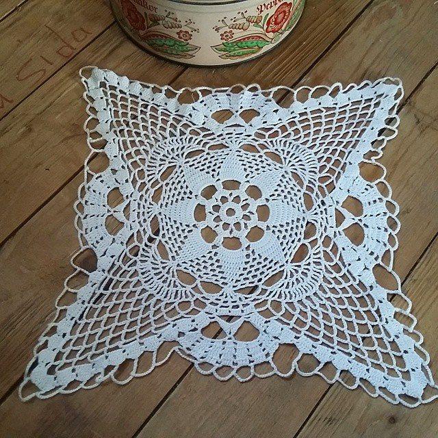 babagabaa crochet doily