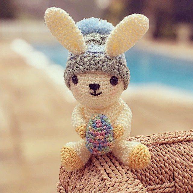 charliwalker44 crochet easter bunny