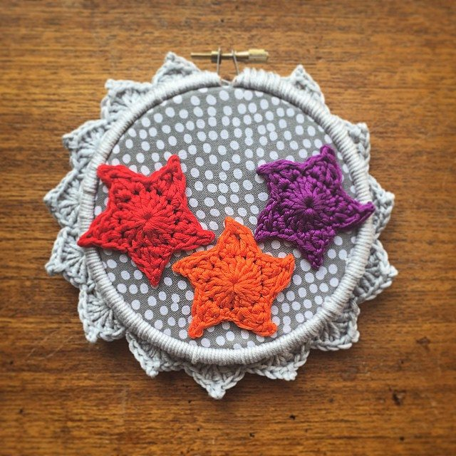 cozamudno crochet star embroidery hoop