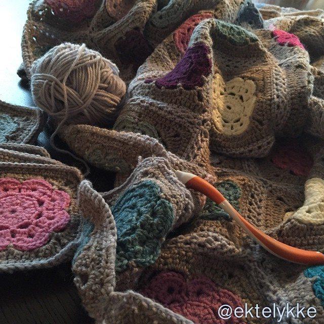 ektelykke crochet blanket