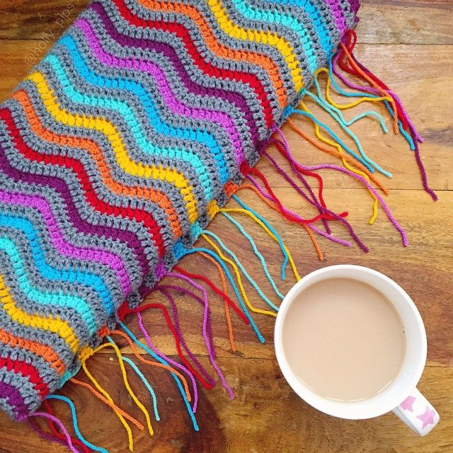 holly_pips crochet rainbow blanket