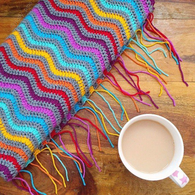 holly_pips crochet rainbow blanket