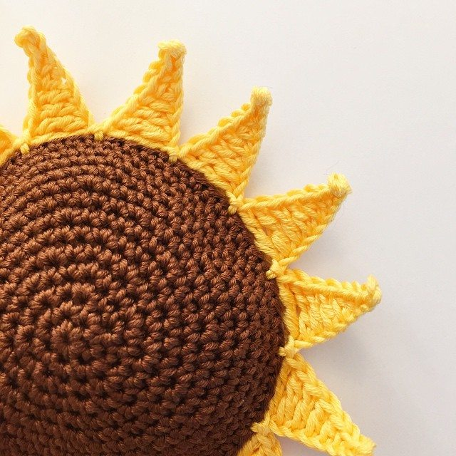 holly_pips sunflower crochet