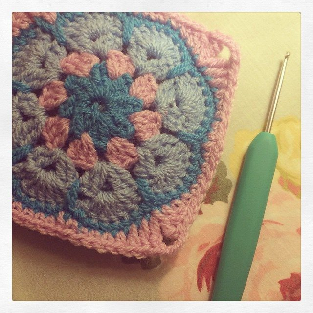 _lara_x crochet square
