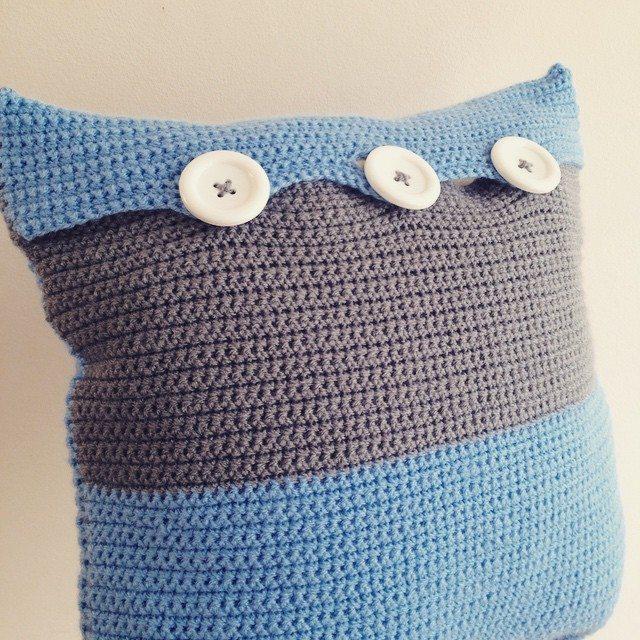 lou.teacrochet crochet cushion