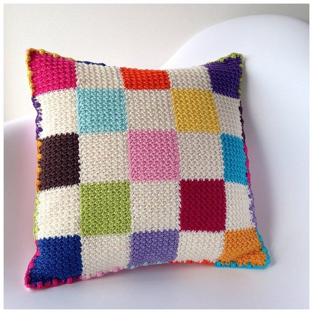 marretjeroos crochet colorful cushion