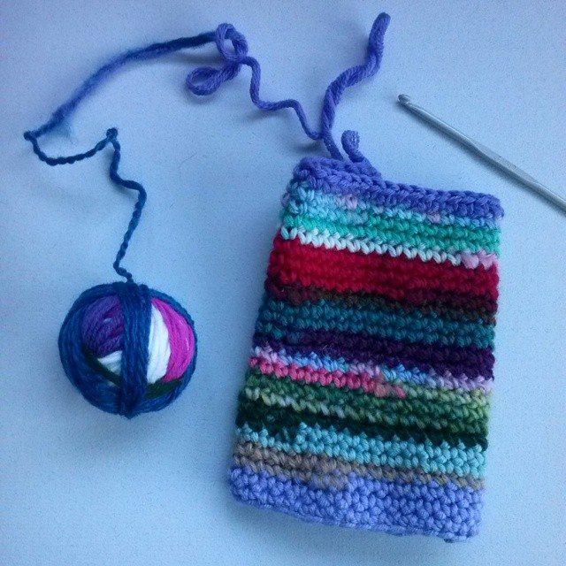 mrsdaftspaniel crochet wristwarmer