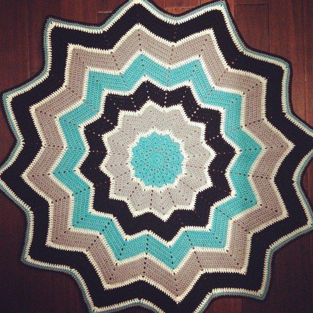 _nessbombaert crochet ripple star