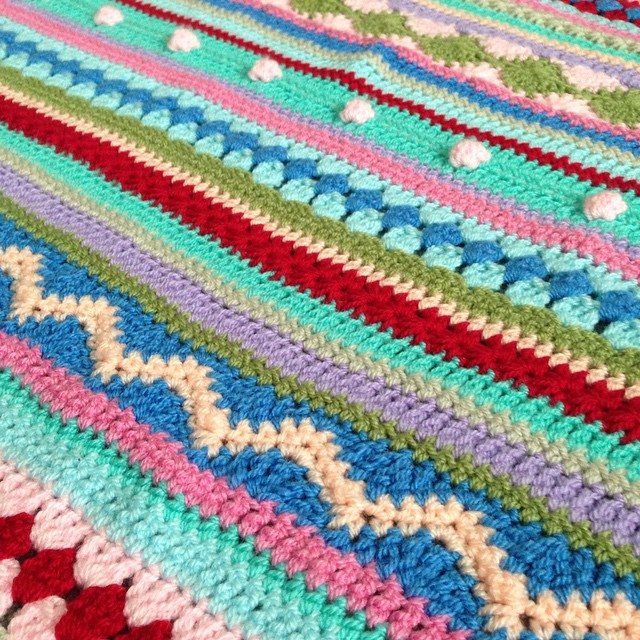 peeka_bo_crochet crochet striped blanket