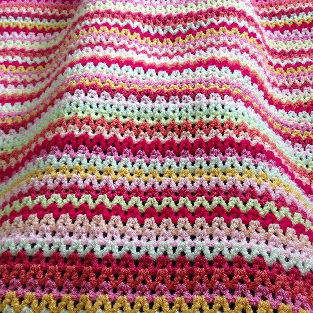 peeka_bo_crochet crochet vstitch colorful blanket