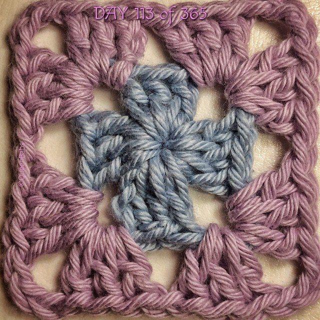 queen_babs crochet square blanket