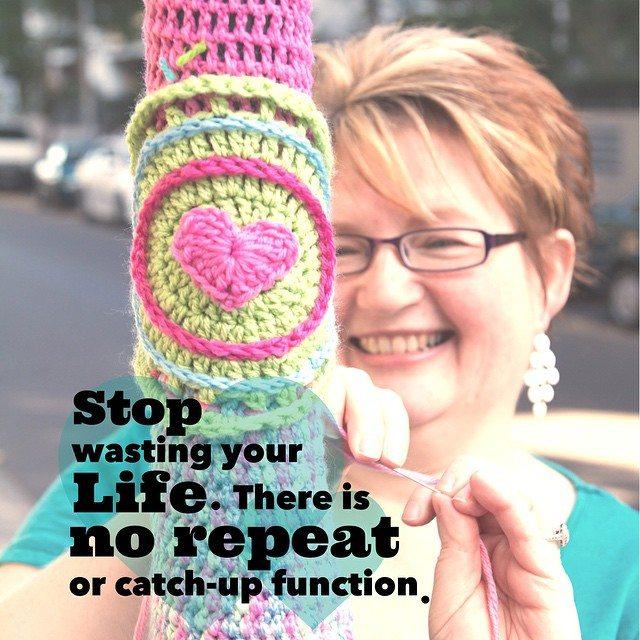queen_babs yarnbomb crochet