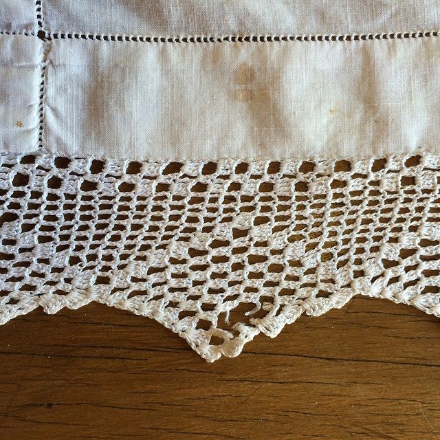 stelcrochet vintage crochet tablecloth