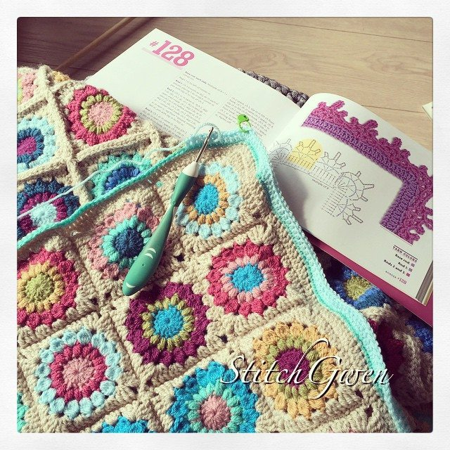 stitchgwen crochet square blanket