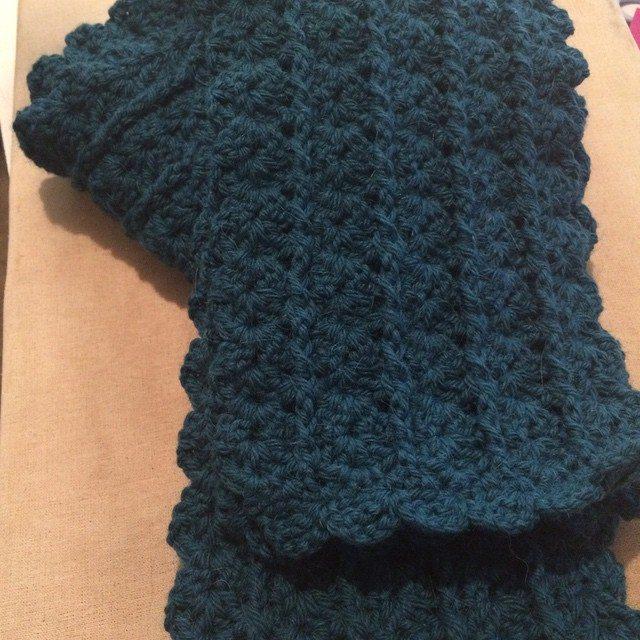 wanderingneedle crochet shells scarf
