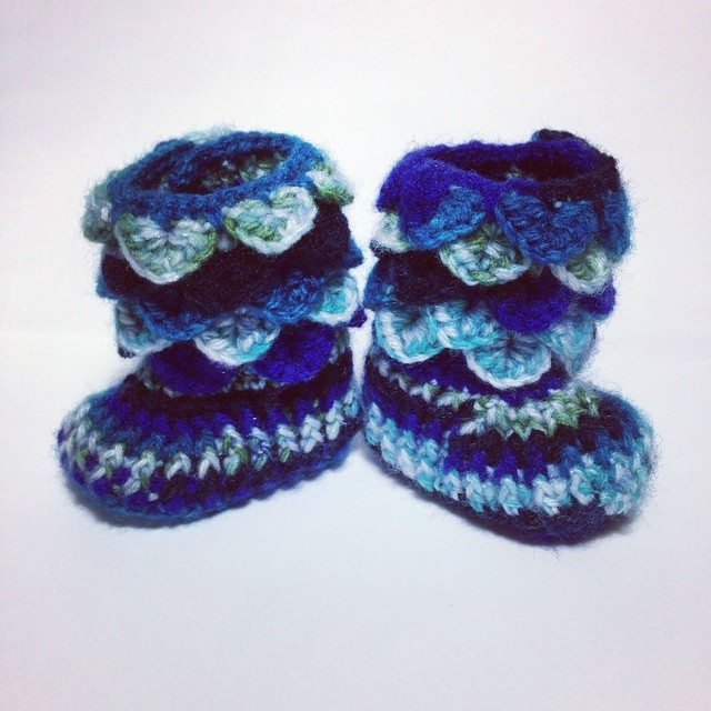 wrappedwithlovebymichelle crochet blue crocodile stitch boots