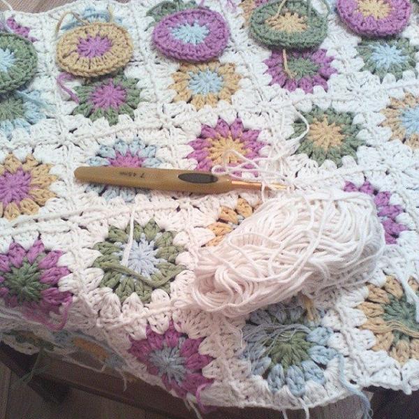 ana.moraissoares crochet blanket granny