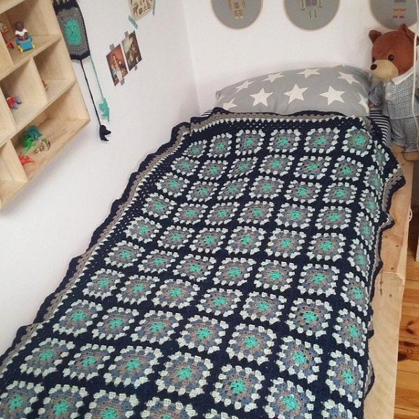 babagabaa crochet granny blanket
