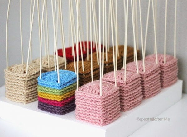 crochet blocks docking station