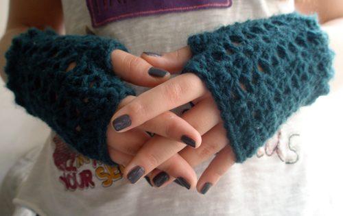 crochet fingerless gloves v-stitch