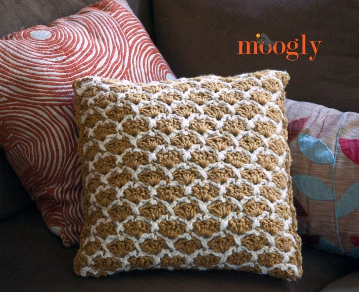 Crochet Patterns Pillows : Crochet pillow free pattern @mooglyblog