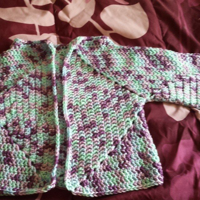 gigididthis crochet baby sweater