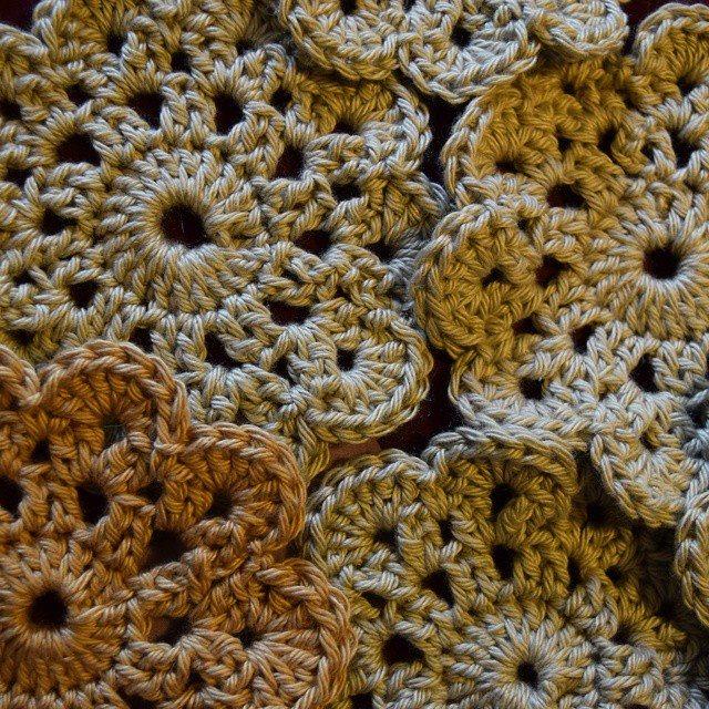 gigididthis crochet flowers