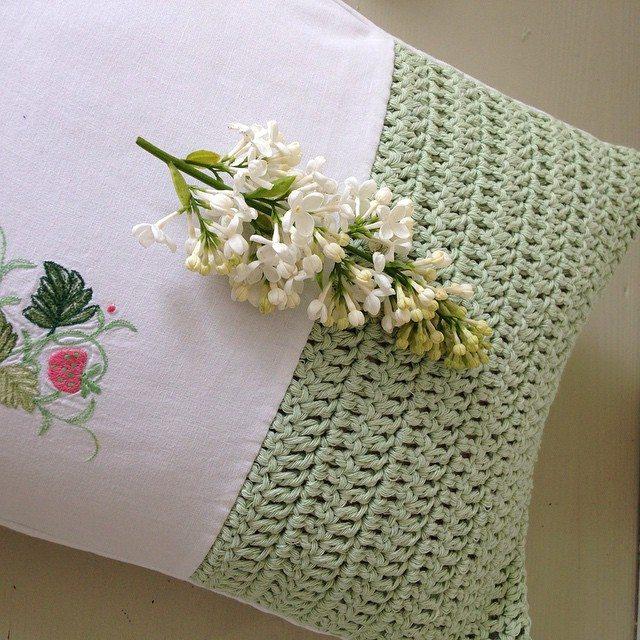 gooseberryfool crochet cushion