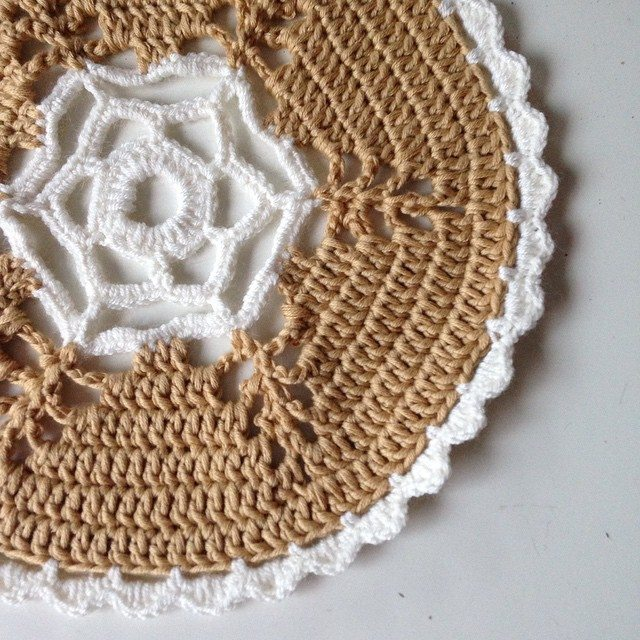 gooseberryfool crochet doily from molliemakes