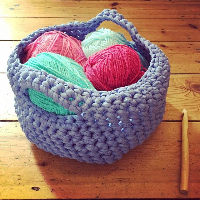 holly_pips crochet basket