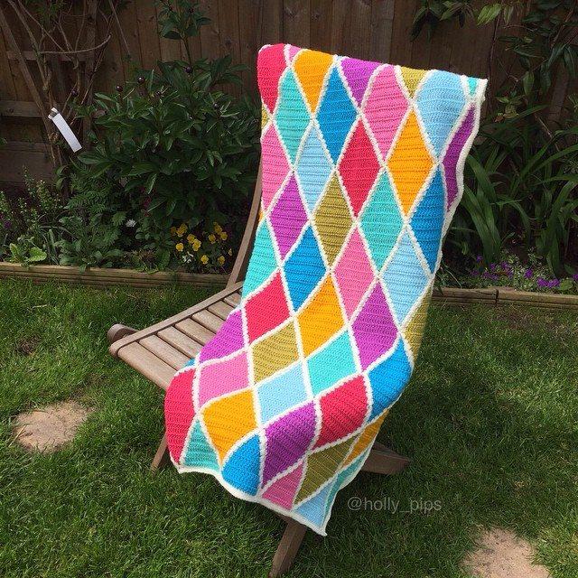 holly_pips crochet harlequin blanket
