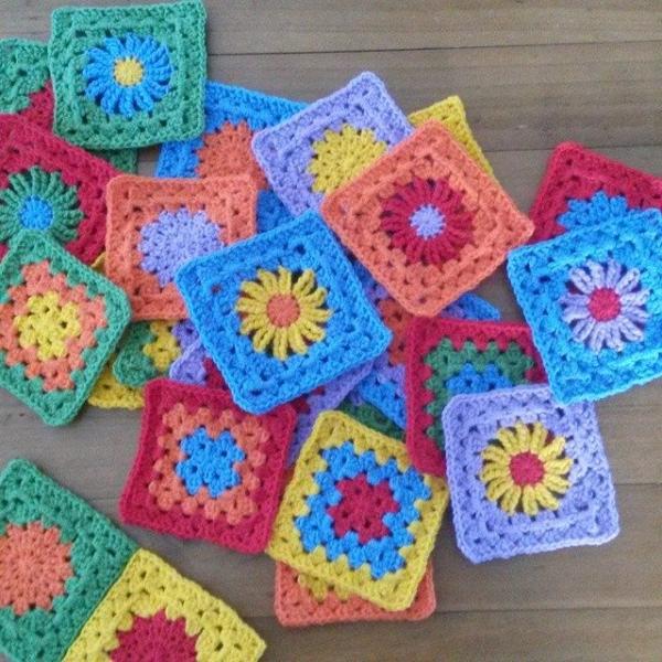 hooksandhills crochet granny squares