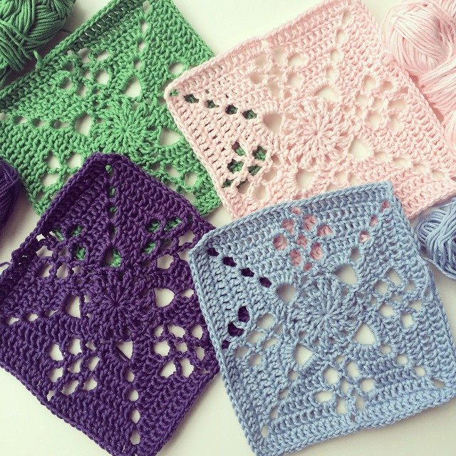 knitpurlhook crochet squares
