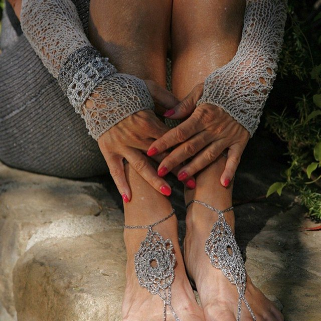 lisesolvang knit gloves with crochet barefoot sandals