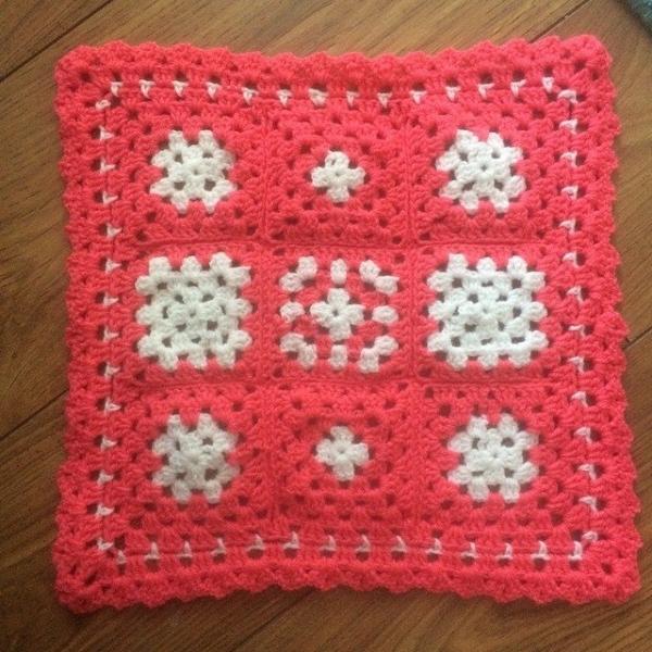love2loop crochet angle baby blanket